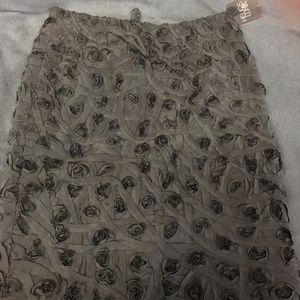 Helios & Luna 100% silk 3D floral black skirt size